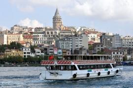 Да се разходиш с лодка по Босфора